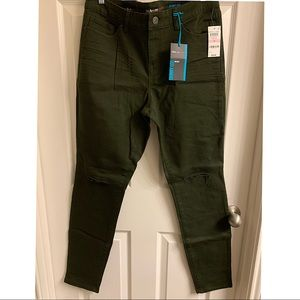 NWT Style & Co. mid rise Skinny Olive Jeans